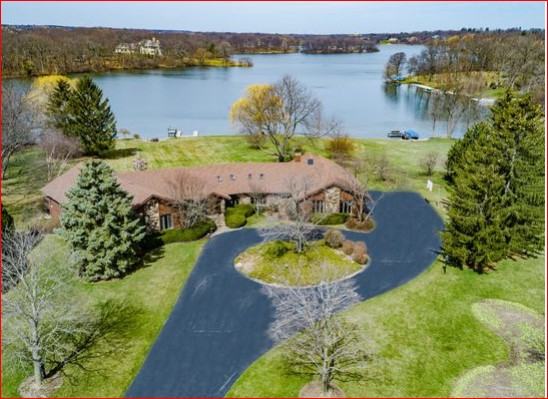 Waterfront Listing in Mundelein!